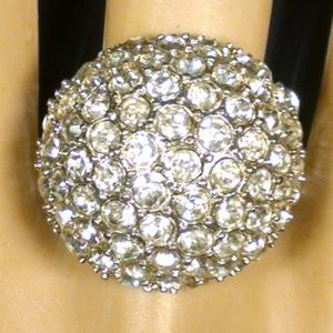 Elegant Dome Shiney Cluster Rhinestones Ring